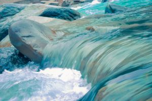 Bach bloesem Rock Water
