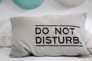 rustgevende kruiden in een kussen helpen je te slapen