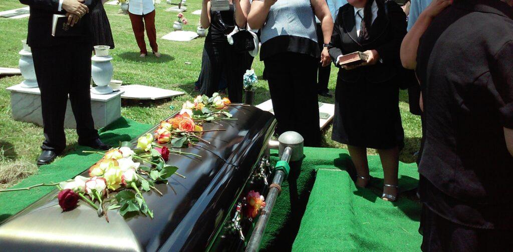 dromen over een begrafenis hebben een sterke symbolische betekenis
