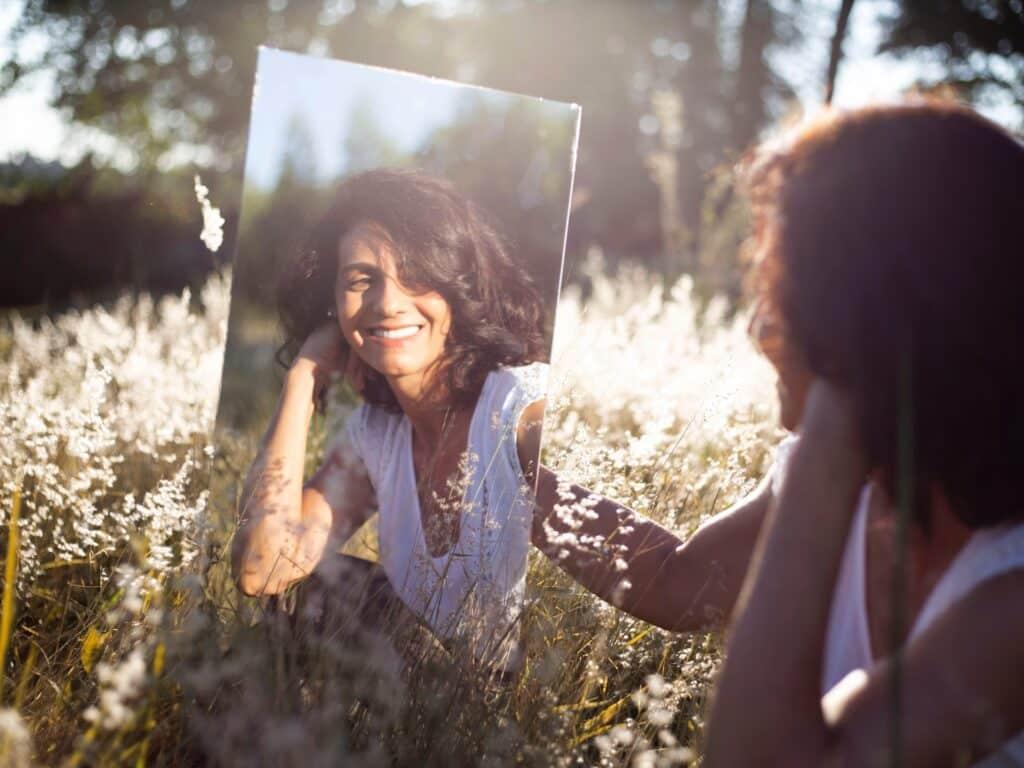 Ontdek hoe het gebruik van Bach bij depressie je kan helpen weer wat gemakkelijker naar jezelf te lachen